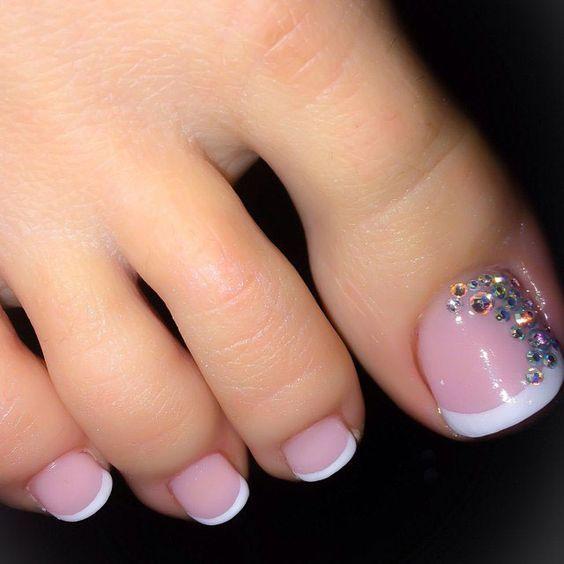 Natural nails White tip toe nail art