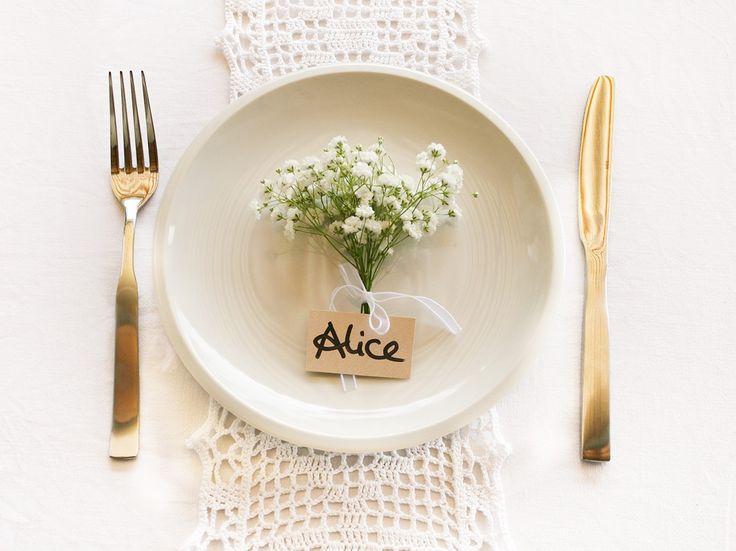 Hochzeits-Tischdeko mit Schleierkraut