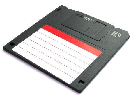 """Disquete 3,5 """" se invento en 1983"""