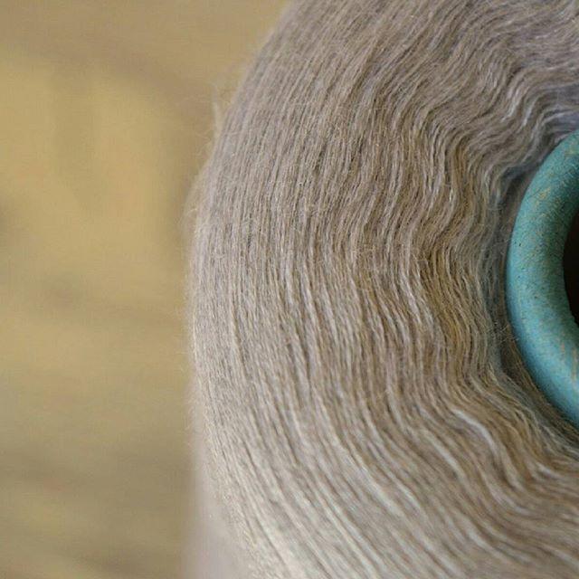 Cariaggi ♻70% кашемир 30% шелк ♻100гр - 6000 метров ♻100 гр - 630 руб Вес бобины 500 гр #23bobins #instaknit #knitting #стокпряжи #стоковаяпряжаизиталии #бобиннаяпряжа #бобиннаяпряжаиталия #пряжа #пряжаиталия #пряжавналичии #пряжанабобинах #пряжадлявязания