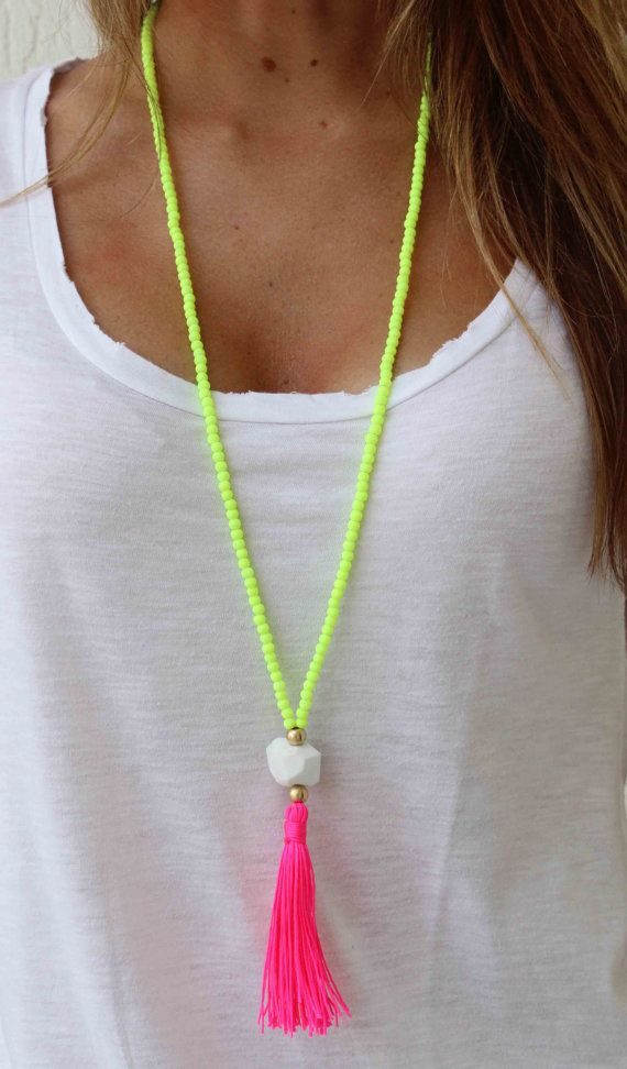 Little pops of color can make a bland outfit fun. Pair this bright necklace with a white t-shirt and some jeans for a comfy, fashionable day outfit!