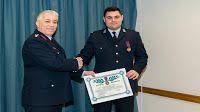 """Πιερία: Απονομή του """"Αστυνομικού Σταυρού"""" σε Αρχιφύλακα γι..."""