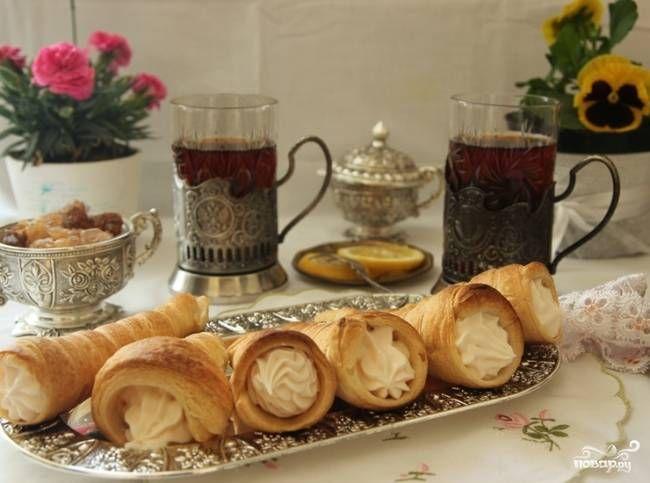 Слоеные трубочки с белковым кремом - пошаговый рецепт с фото на Повар.ру