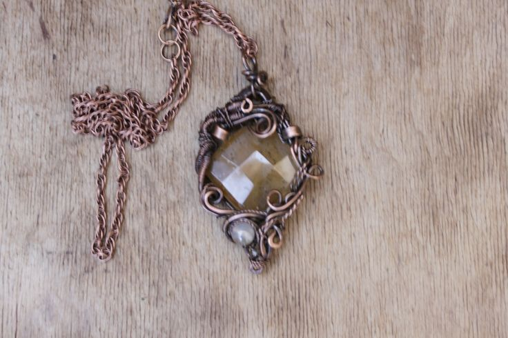 """Pendentif """"Iris"""" est faite dans la technique de wire wrap avec une pierre d'agate : Pendentif par cuivre-bijoux"""