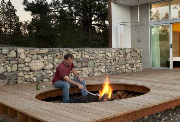 Fire pit and gabion wall...LIKE!