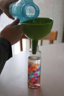 La bande à Nounou s'est agrandit ! Un presque grand garçon nous a rejoint.    Pour fêter ça, j'ai voulu réaliser de jolies bouteilles senso...