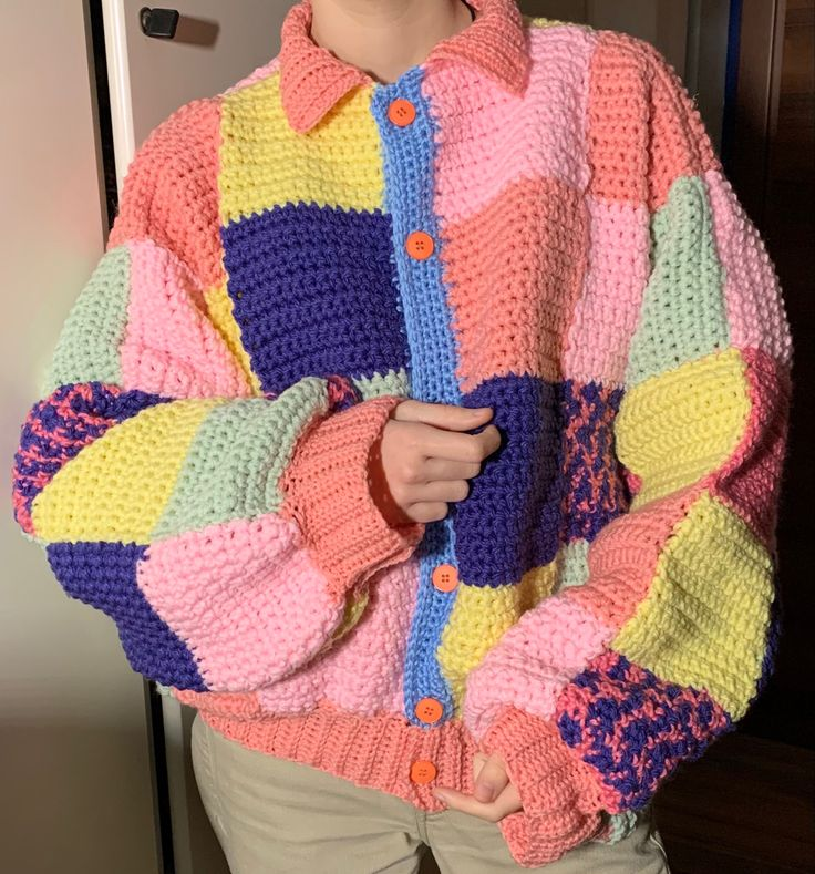 Patchwork cardigan jw anderson harry styles crochet crocheted handmade pastel acrylic yarn stitch collar etsy seller shop uncinetto maglione style acrilico filo sweater sweter giacca inverno winter warm comfy oversized Diy Crochet Sweater, Crochet Diy, Crochet Crafts, Crochet Clothes, Diy Clothes, Knitting Patterns, Crochet Patterns, Diy Crochet Projects, Knit Fashion