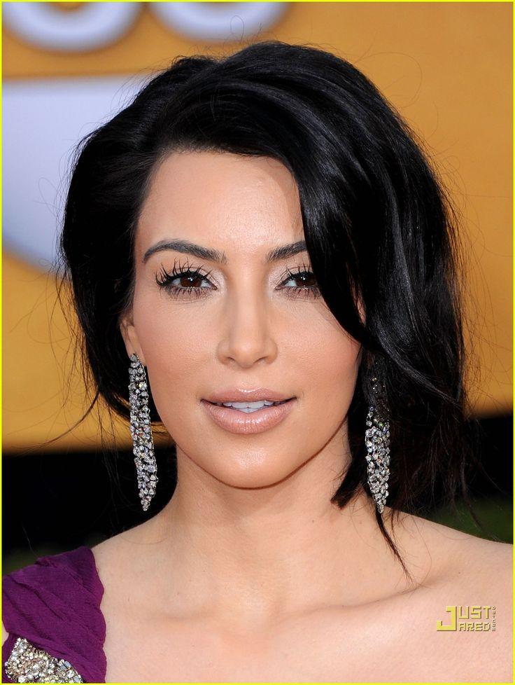 Kim Kardashian - SAG Awards 2011 Red Carpet