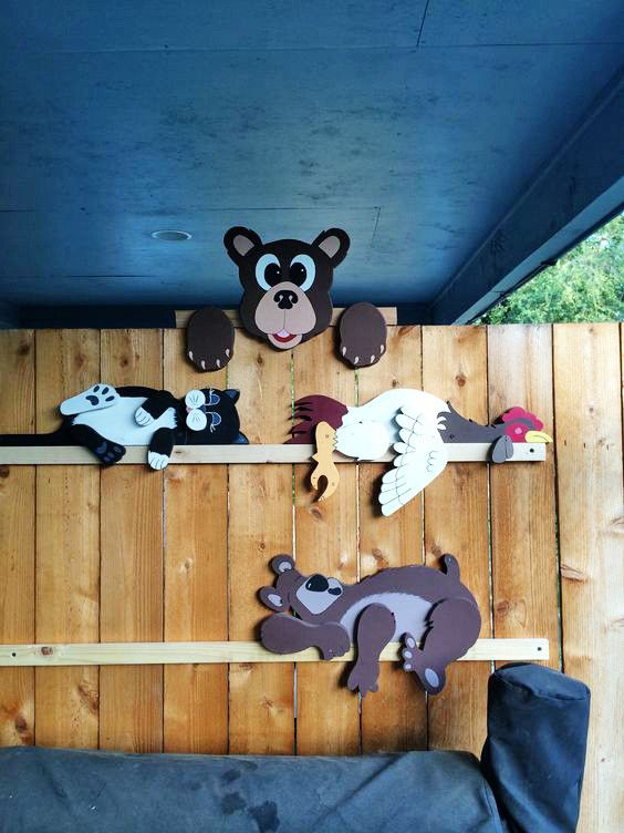 Рисунок зверей для детей на заборе