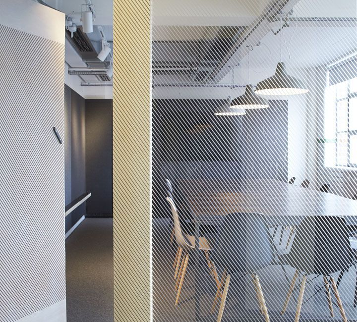 StartJG offices London UK 04 StartJGs offices, London UK feature manifestation glass pendants dark meeting table eames:
