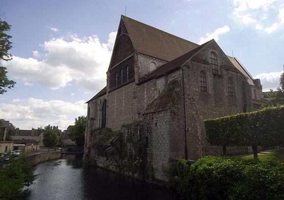 Saint-André de #Chartres y el milagro de una resurreción de las cenizas. http://www.guias.travel/blog/sanit-andre-de-chartres-y-el-milagro-de-una-resurrecion-de-las-cenizas/ #turismo #Francia