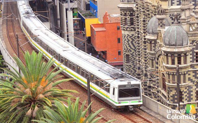 metro medellin tours colombia