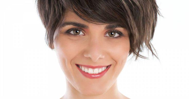 10 cortes de cabelo que são tendência para o outono 2016: curto assimétrico, long bob cacheado com franja, longo reto e outros