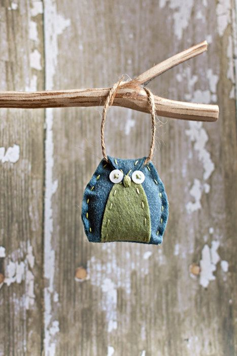 felt owl ornament, how cute! $3.75