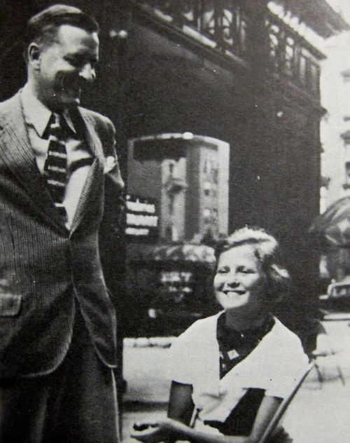 F. Scott Fitzgerald and Scottie. Seriously my new favorite photo.