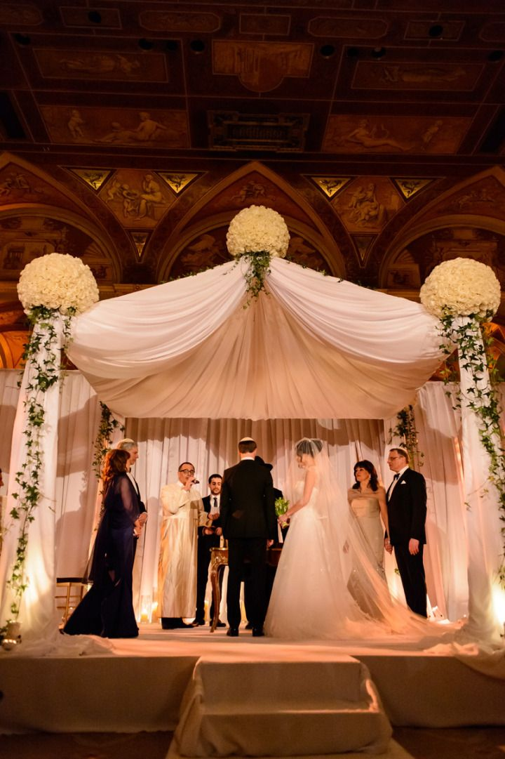 To see more glamorous wedding reception ideas: http://www.modwedding.com/2014/11/14/58-glamorously-designed-wedding-flower-ideas-tantawan-bloom/ #wedding #weddings #wedding_ceremony
