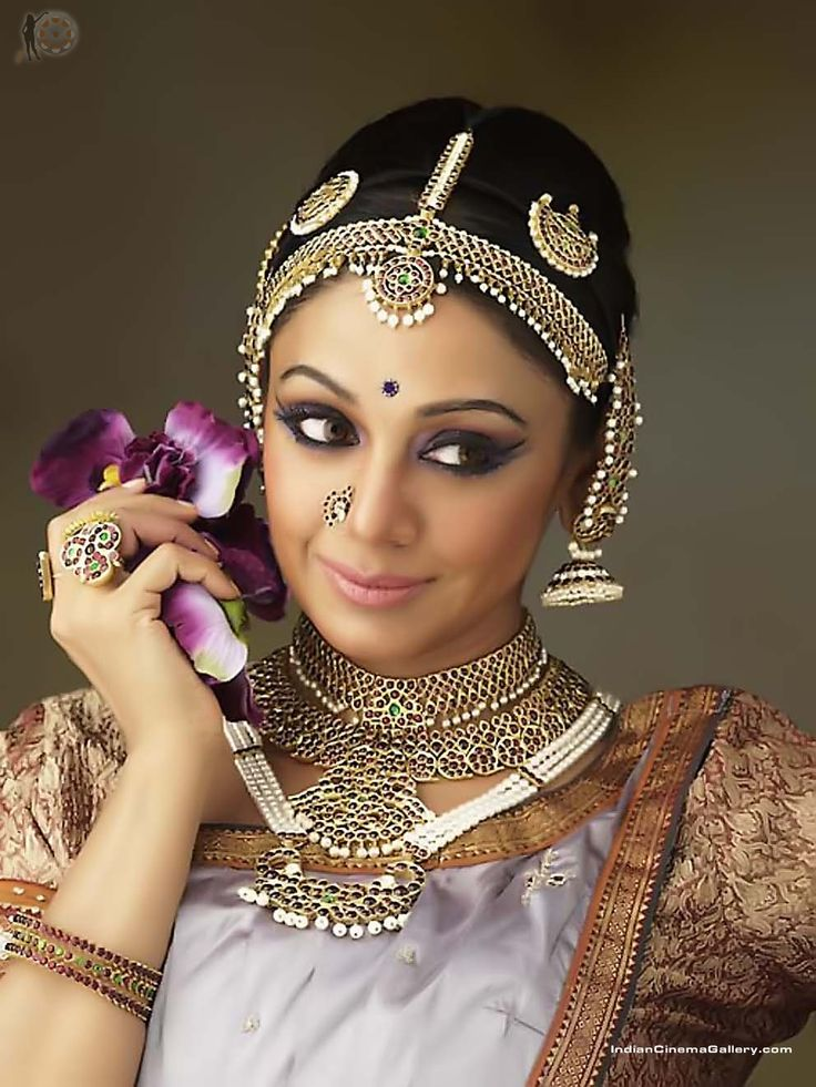shobana1 - this is really good. it is something between modern and traditional. the elongated eyes are most important