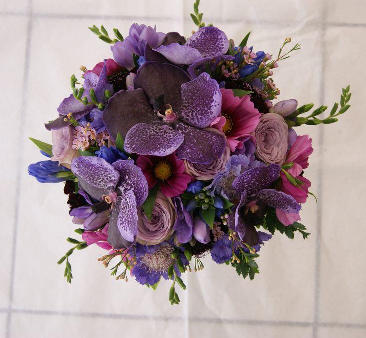 Bouquet de mariée violet, mauve et rose avec orchidées Vanda