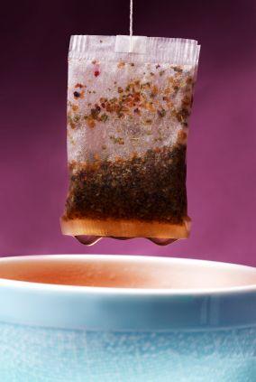 Sachet de thé comme masque yeux, pour décongestionner