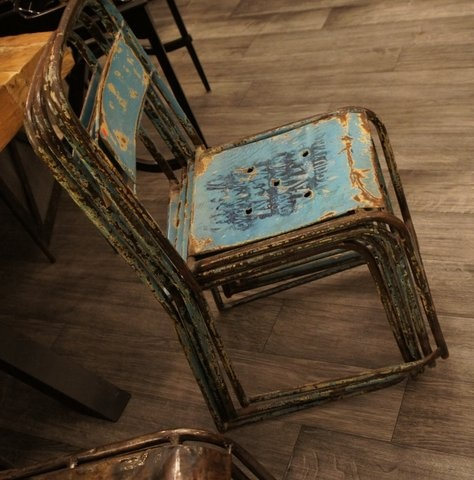 Old old oldWooden Chairs, Popular Pinterest, Hands, Metals, Seats Patios, Sofas Seats, Old Chairs, Pinterest Marketing, Patios Funiture