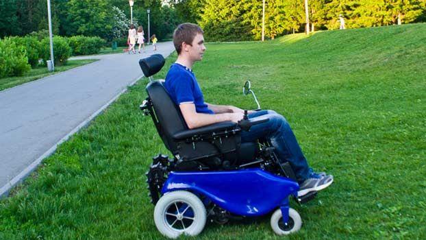 Il marchio russo Caterwil produce carrozzine che uniscono la comodità della sedia a rotelle con la funzionalità del montascale a cingoli. Si usano in qualsiasi ambiente interno o esterno per abbattere le barriere architettoniche che si possono incontrare. I modelli principali sono tre: Caterwil GTS2, Caterwil GTS3, Ideal X1. Vedi[...]