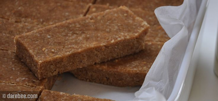 No-Bake Breakfast Bars - oats, honey, peanut butter and coconut milk.