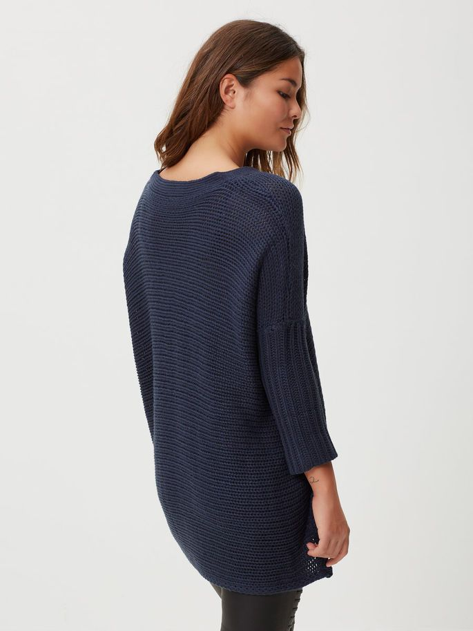 use your loose knit over your loose blue jeans for at stylish look
