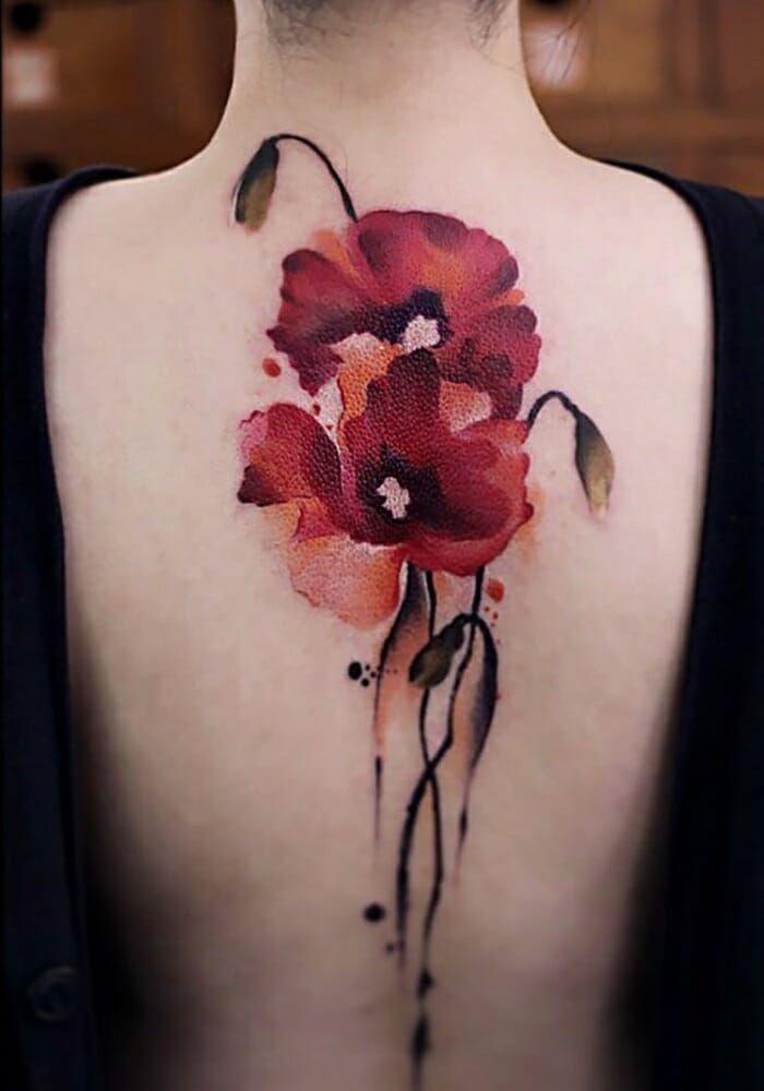 Tatuagens da chinesa Chen Jie impressionam pela delicadeza | Papoulas tatuagem, Tatuagens incríveis, Tatuagem de cobra