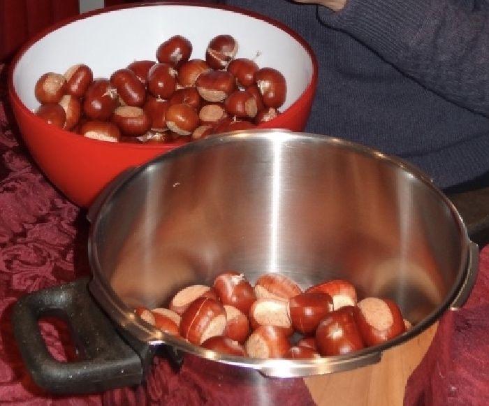 Getrocknete Esskastanien (Maroni, Maronen) zubereiten - how to prepare sweet chestnuts