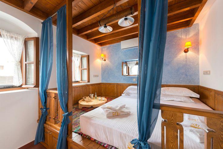Akropolis bedroom Luxury Villa Eftihia in the heart of Lindos