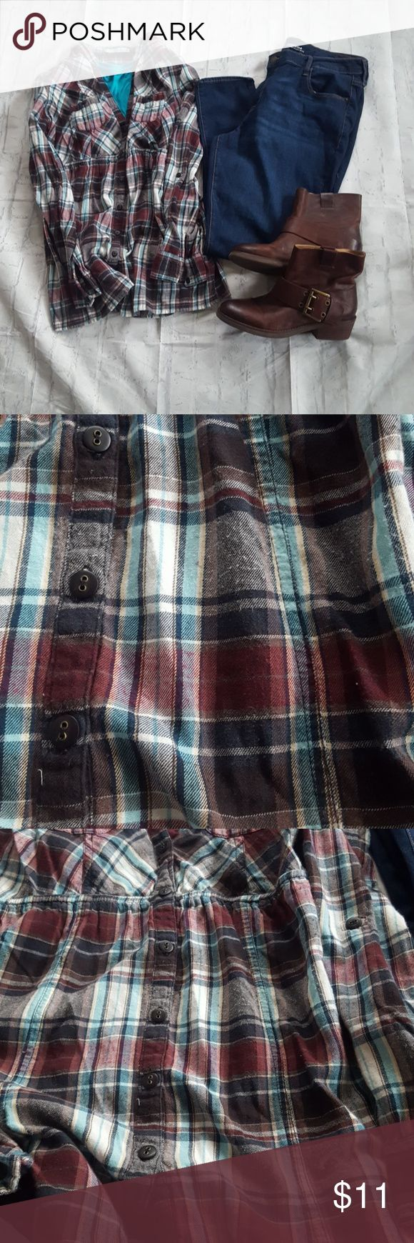 Plaid flannel tunic Maurices plaid flannel tunic.  Super soft and an elastic waist make this a perfect fall top. There is piling as noted in pictures 2 and 3. Maurices Tops Tunics