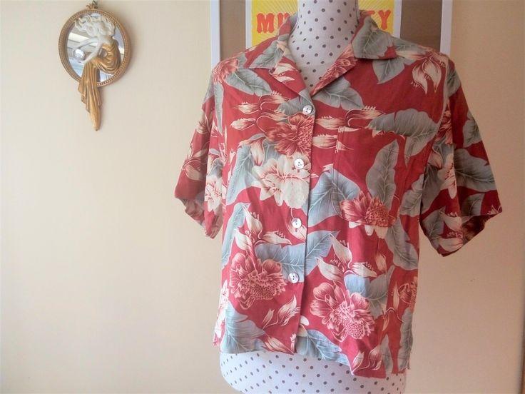 Camisa hawaiana roja // Blusa seda flores tropicales // Talla S // Bungalow Brand de TropicalaffaireES en Etsy