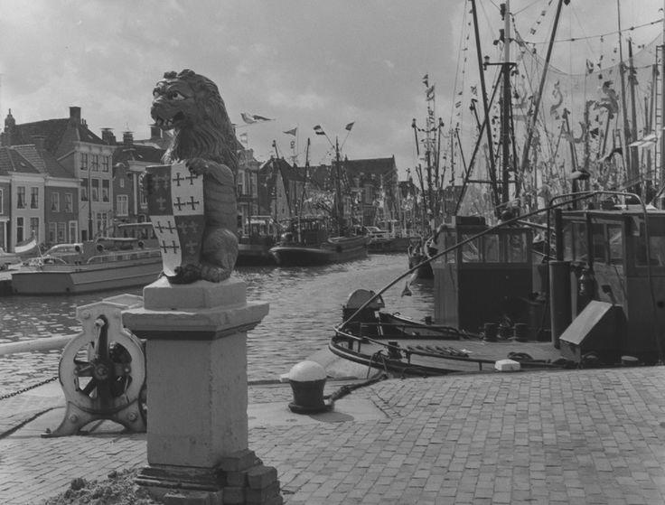 Harlingen - Noorderhaven - fotograaf Ed van Wijk