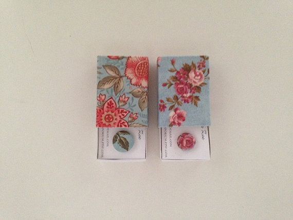 Pick Your Style  Custom gift wrapping at Zoes Button Emporium and available at the #etsymadelocal Markets, Canberra.