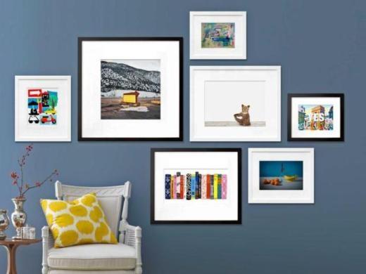 simple art gallery wall