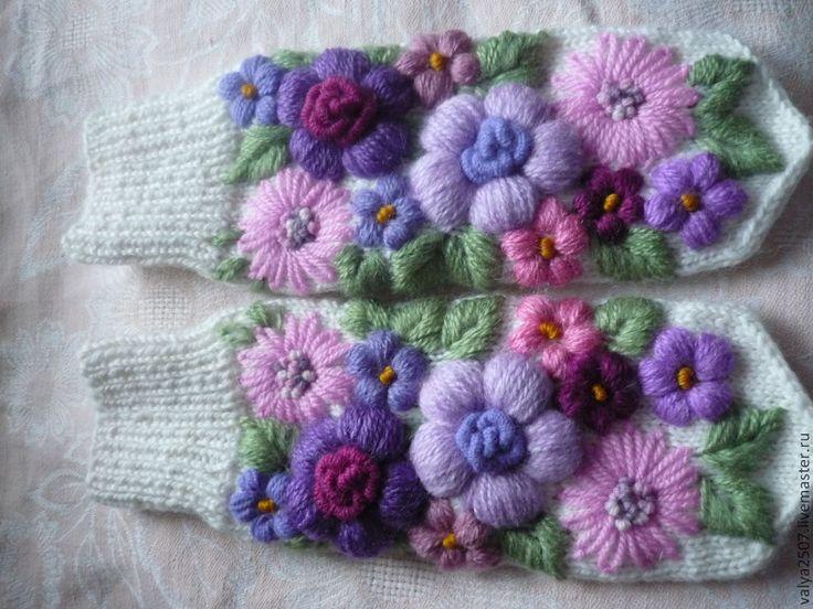 """Купить Варежки с вышивкой """"Цветочный стиль"""" - цветочный, варежки, варежки с цветами, вышивка на заказ"""