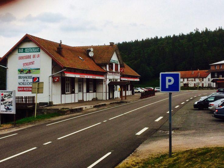 Col de la Schlucht. Het voormalige tramstation. Hier lag de grens tussen Frankrijk en Duitsland. Vanuit beide landen reed een tram omhoog. Jammer, dat die trams niet behouden bleven!