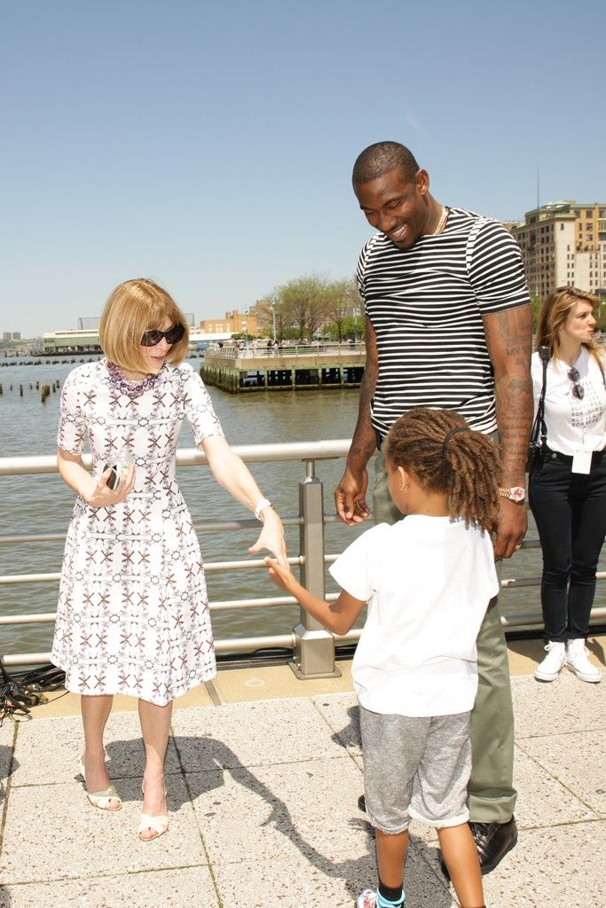 Anna Wintour - Born Free Africa Hosts Mother's Day Carnival in New York.  (May 2014)