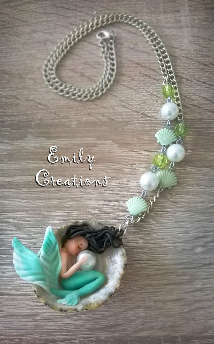 Cute sleeping mermaid in a shell with pearl necklace di EmilyCreations89 su Etsy