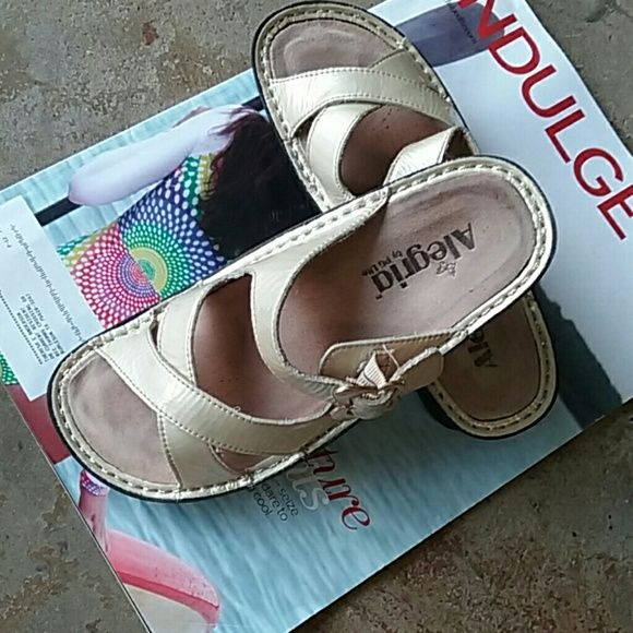 ALEGRIA BY PG LITE SANDALS Really nice and in a good condition size 37 ALEGRIA BY PG LITE  Shoes Wedges