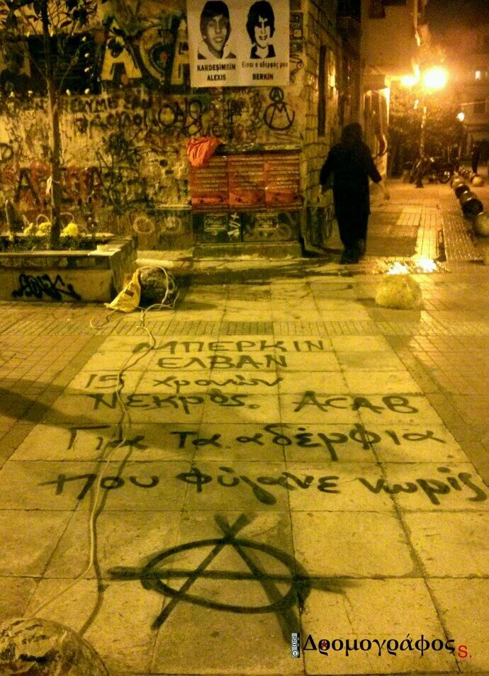 """Graffiti in memory of #BerkinElvan at Alexis Grigoropoulos' memorial in Athens. """"For the brothers that left us early"""" pic.twitter.com/74fpv1Zrln"""