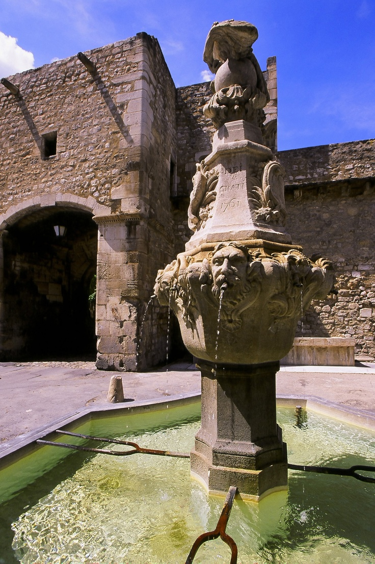 Fountain - Pernes les Fontaines - Provence - http://www.provenceguide.co.uk/home/vaucluse-in-provence/what-to-do-and-see/culture-and-architecture/major-sites-and-monuments/foliot/1.aspx