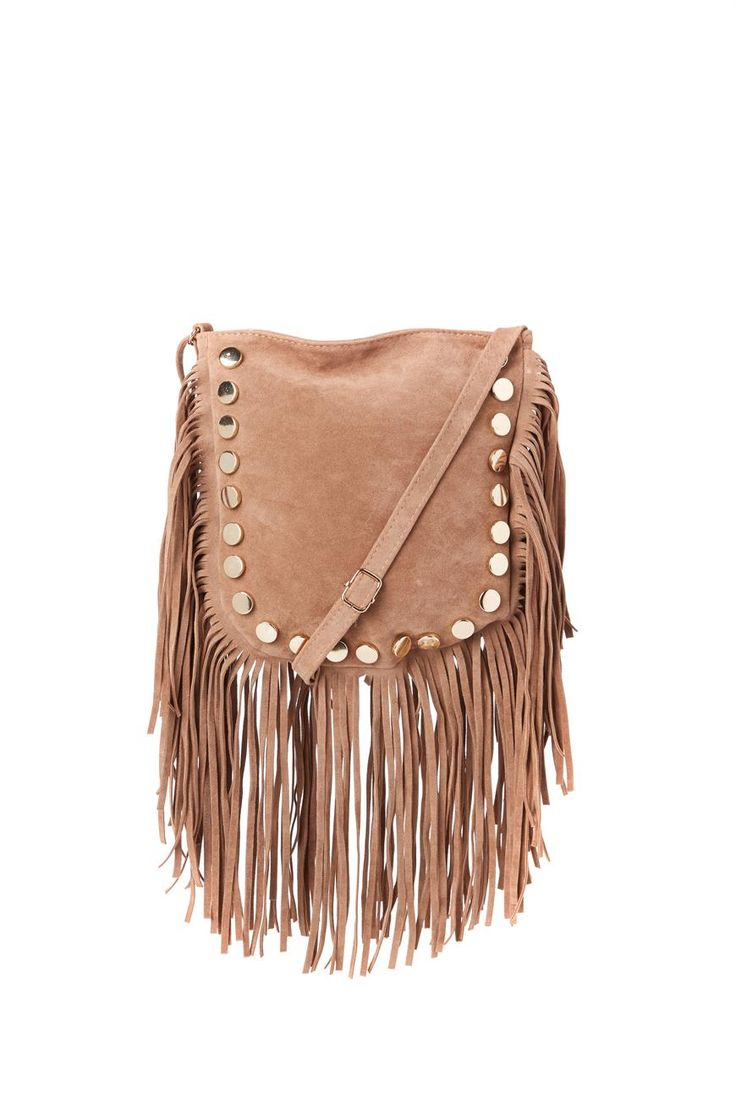 <p>SAMMY STUD BAG</p>  <p>This very on trend tassel bag is what every girl needs to add to their accessory collection.</p>  <p>With stunning stud detail and a tassel fringing edge.</p>  <p>Perfect for festivals, everyday and going out!</p>  <p>Black/ Silver hardware, Tan/Gold hardware , adjustable shoulder strap.</p>