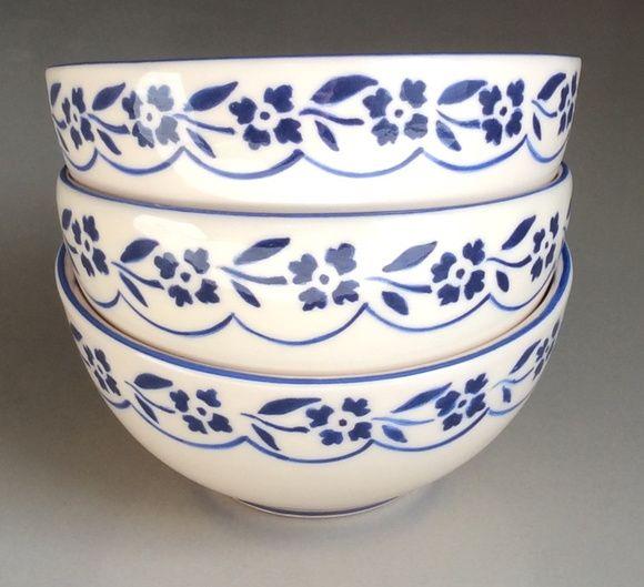 Valor dos 3 bowls R$ 150,00. 100%artesanal, feito em cerâmica e pintado a mão. Para uso decorativo e utilitário.