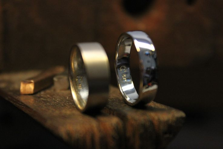 Wedding band. Platinum. White gold. Hand-made in Melbourne. Custom design.  #roseandcrownjewellers #weddingband #platinum #rosegold