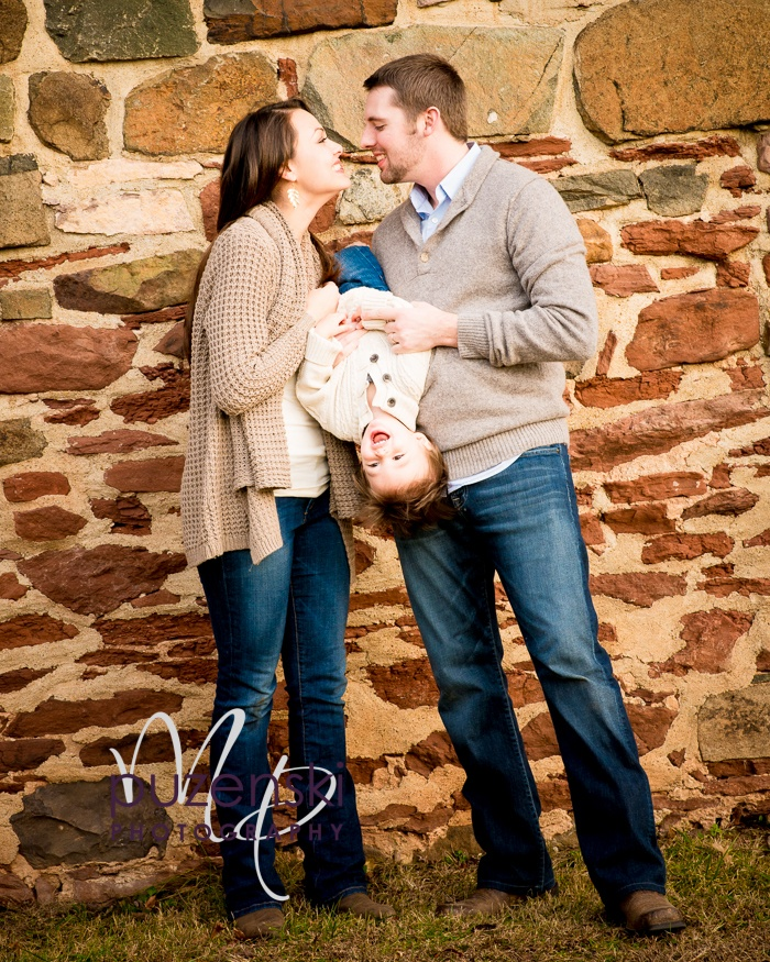 17 best images about baby kid pics on pinterest family for Family of 3 picture ideas