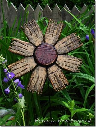 Wooden Flowers I love the idea, if I could figure out to make them I would.
