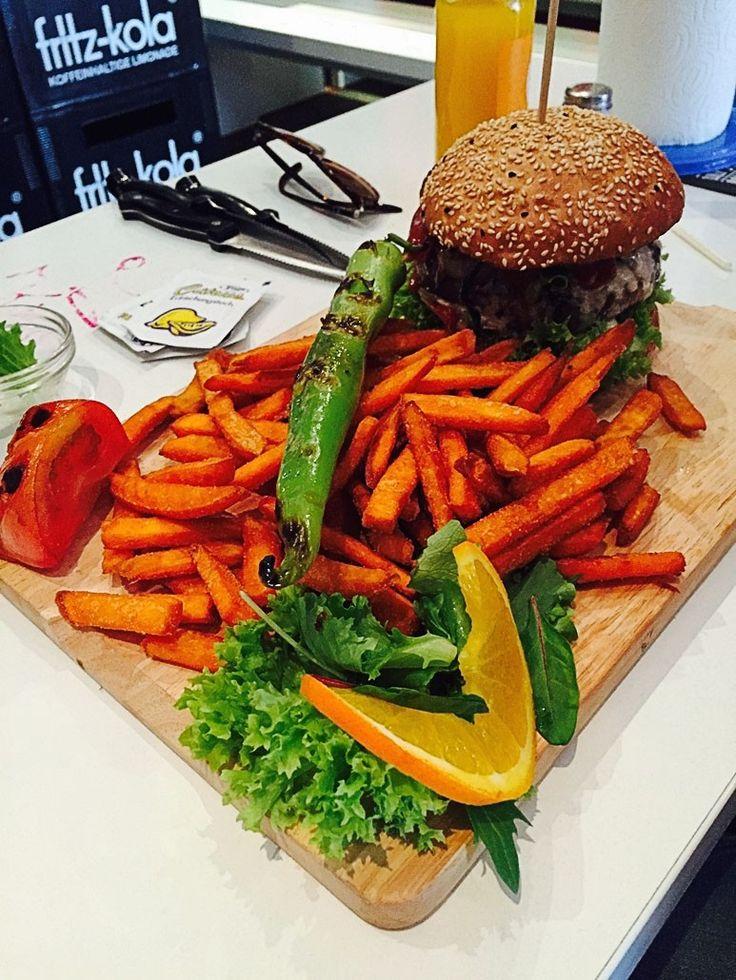 LILY Burger in Berlin Beef + Vegan Grill Club Urbanstrasse 70 in Berlin-Kreuzberg