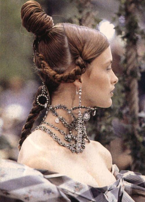 Trish Goff at Christian Dior Haute Couture Fall/Winter 1997.