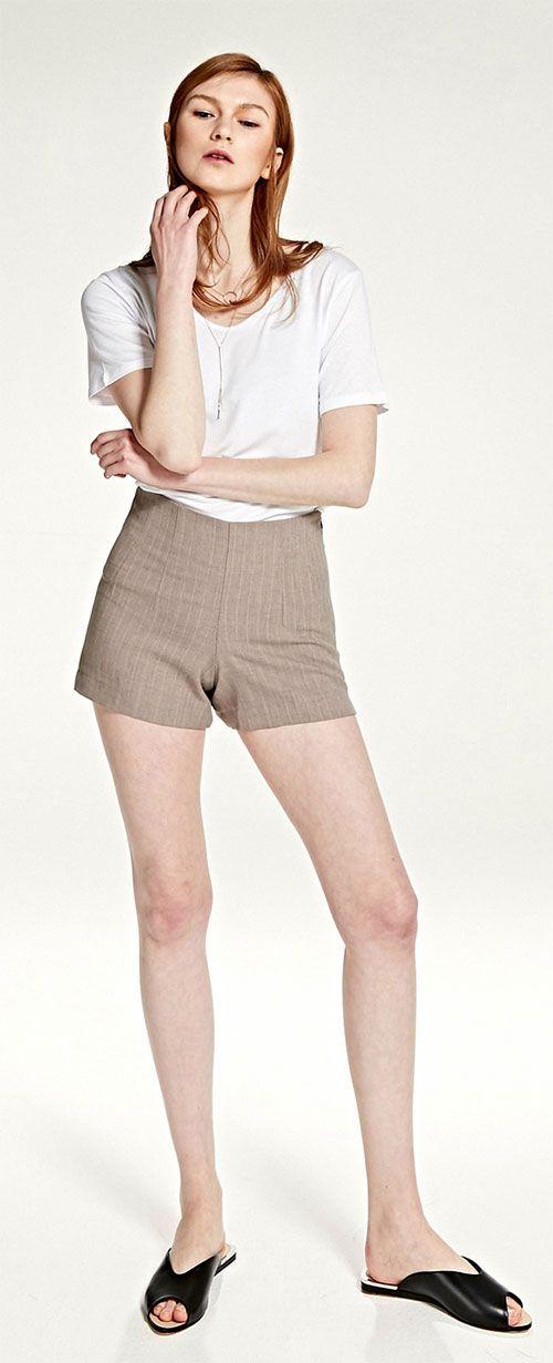 간절기에는 단독으로! 추워지면 부츠, 니삭스등과 같이 착용하기 좋은 활용도 높은 팬츠 MODEL : 176 cm / 53 kg / M size